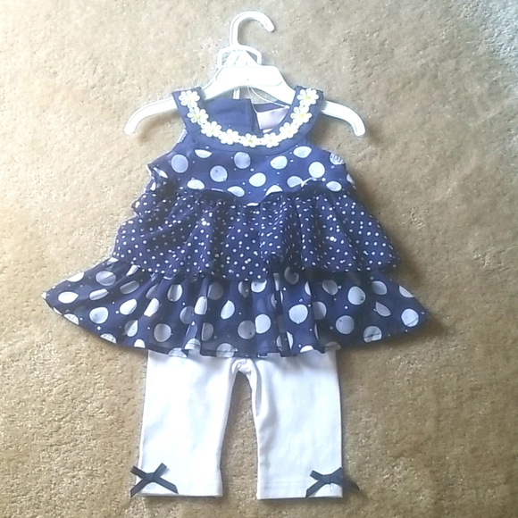 Polka dot floral outfit